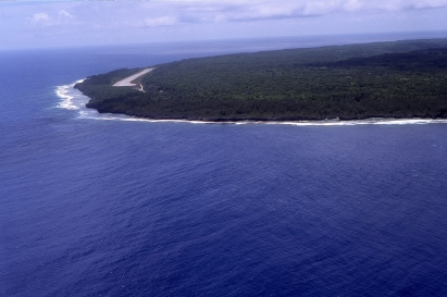 Approach to Atiu, Cook Islands, November 2000. © Andrew A Bryant