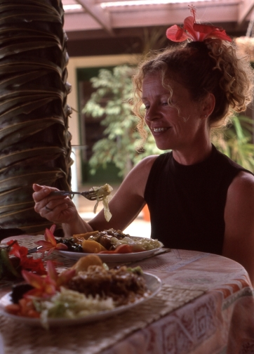 Heather Bryant at Atiu, Cook Islands, November 2000. © Andrew A Bryant