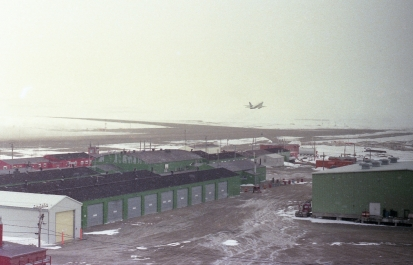 Boeing 737 taking off from Resolute Bay Airport, 1979
